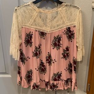 Casual top-has a small makeup stain at neck line